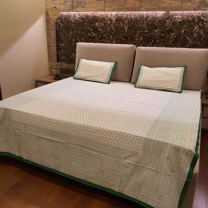 Green print On Off white Base Pure Cotton Handloom Block Printed Bedsheet with 2 Pillow Covers