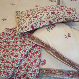 Pink & Sea  Green Print On Off White Base Pure Cotton Handloom Block Printed Double Bed Quilt & Bed sheet Set