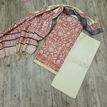 Load image into Gallery viewer, Beige Base Peach & Grey Handblock Print Cotton Tusser With Dupatta Suit Set