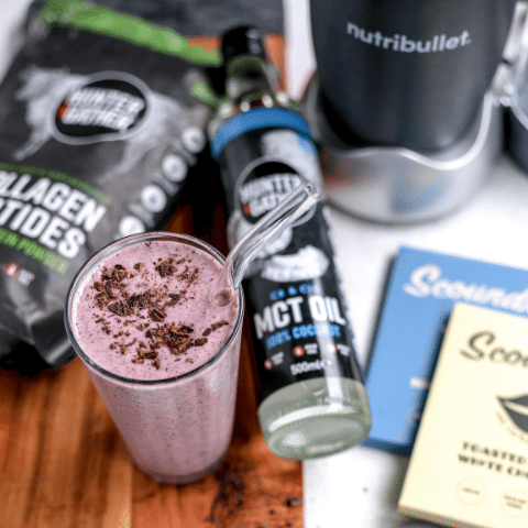 Keto chocolate berry smoothie with Collagen and MCT Oil