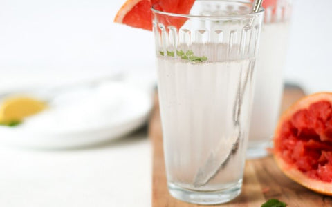 sparkling water with grapefruit