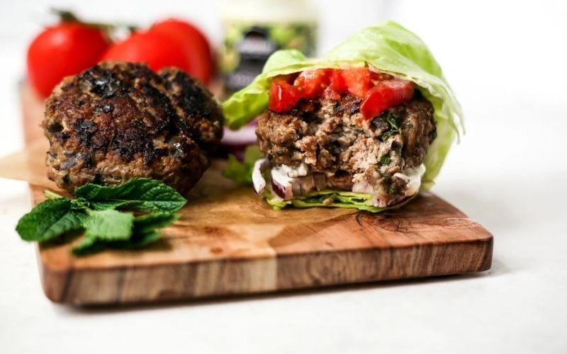 High protein low carb meals: Lamb and mint burgers