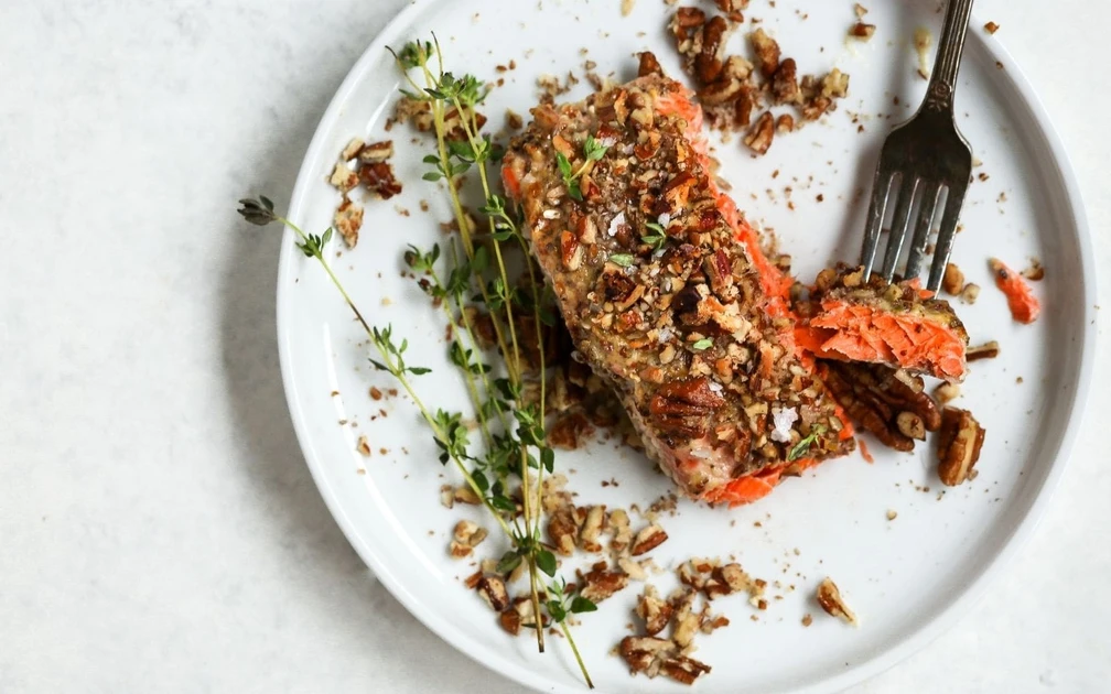 High protein low carb meals: Dijon salmon