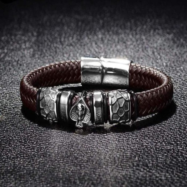 Bracelet cuir marron tete de mort as de pique