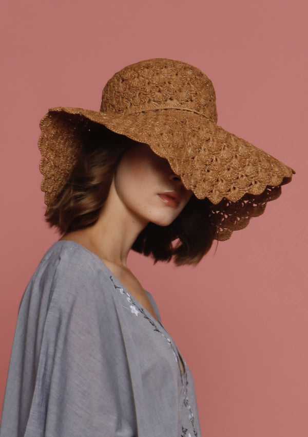 Large raffia sun hats easy to store