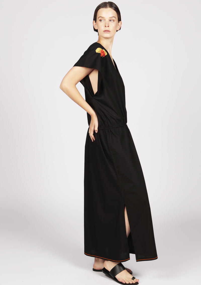 Embroidered black dress with sustainable cotton fabric