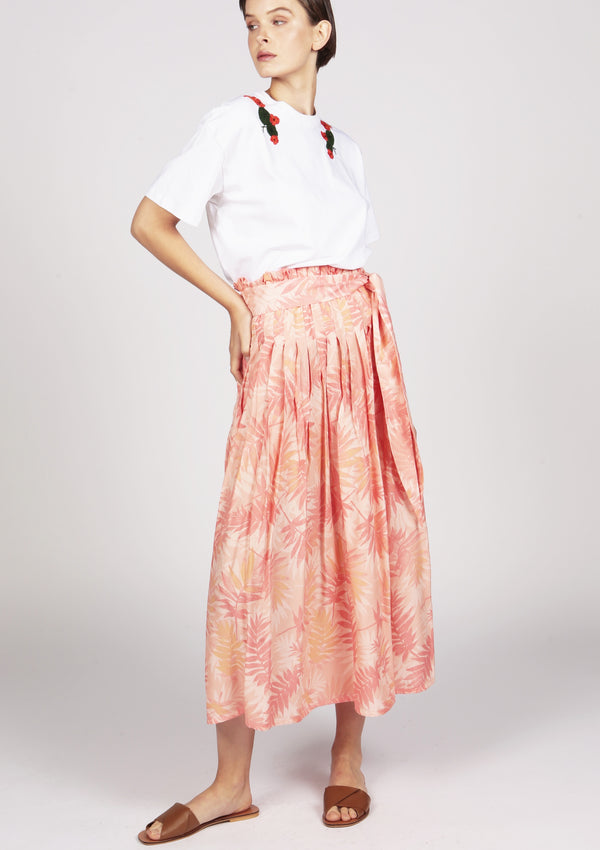 pleated pink skirt summer wardrobe