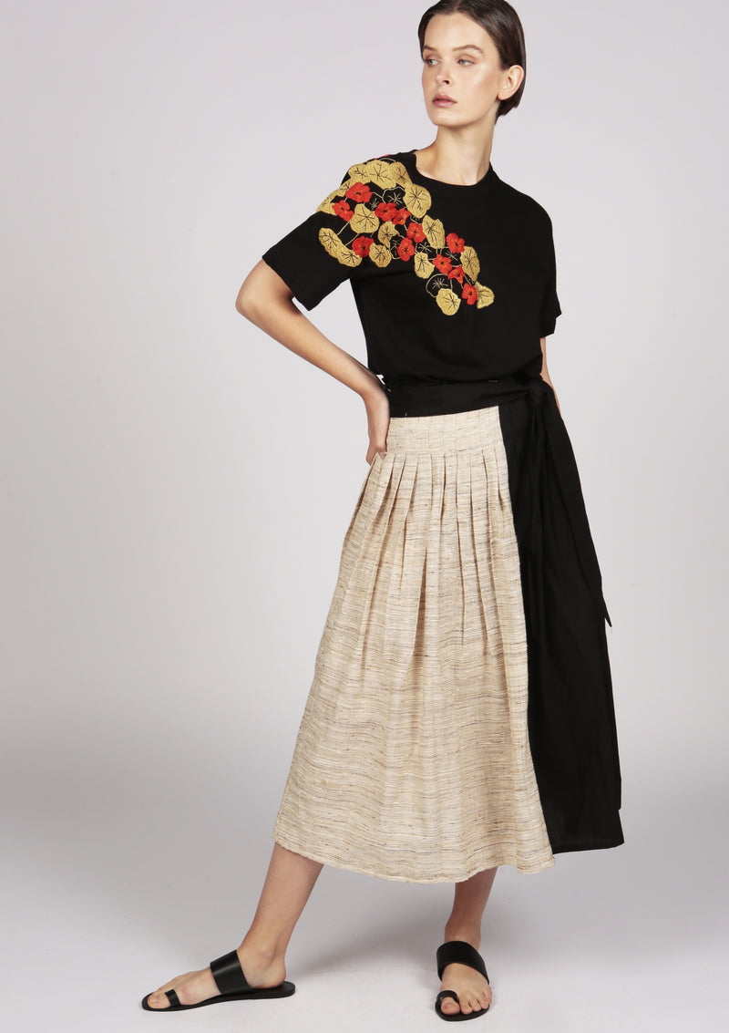 brown and black pleated skirt