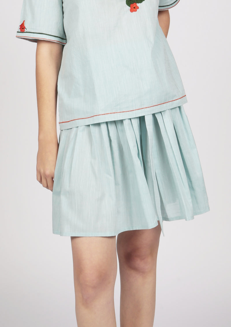 poplin cotton pleated skirt with a bow tie at the waist