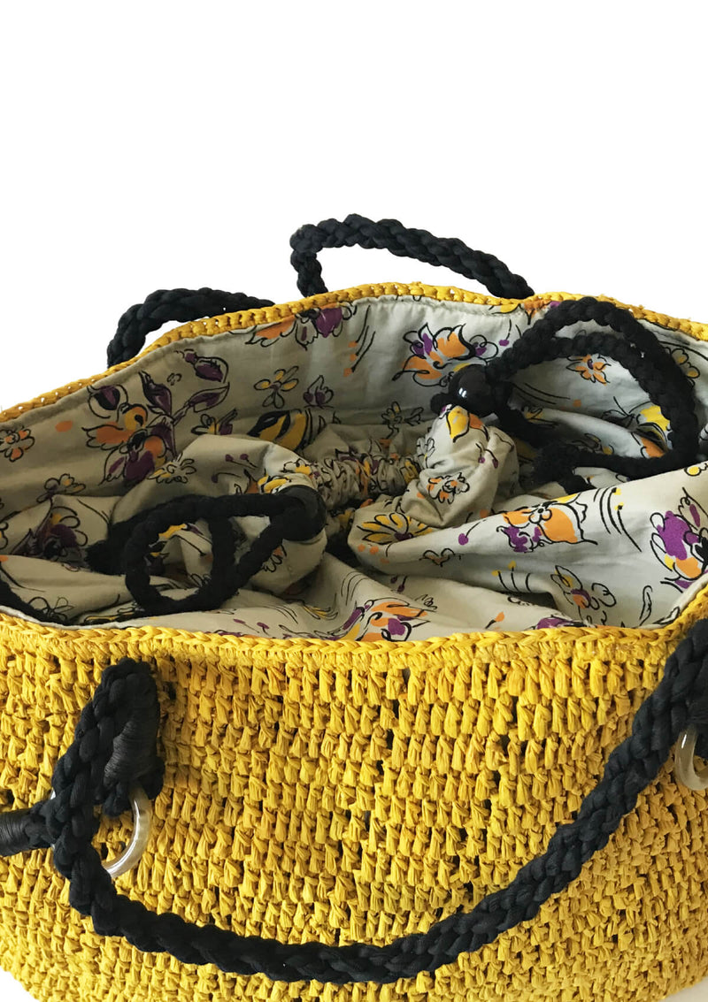 Beach bag with storage and cotton lining