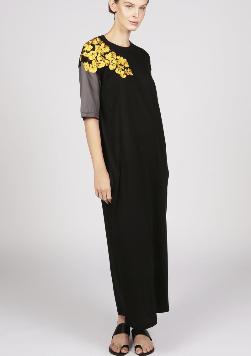 womenswear comfortable jersey dress in black embroidered
