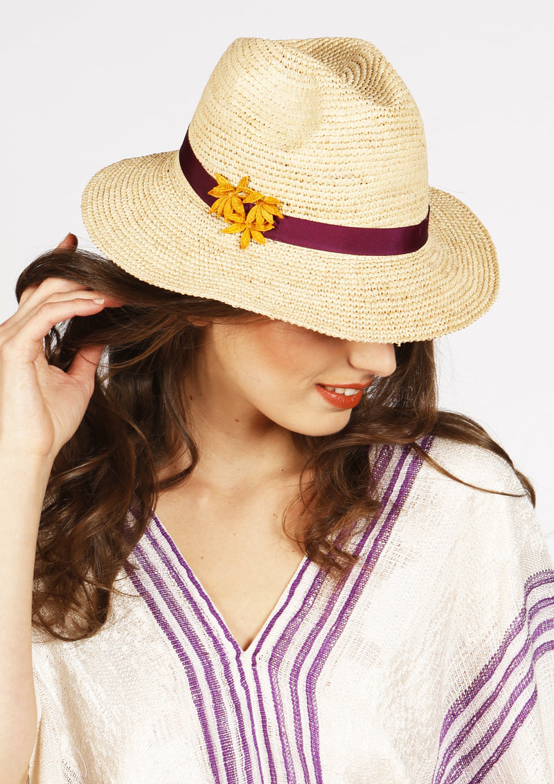 Cheap beach sun hat for city summer or beach vacation