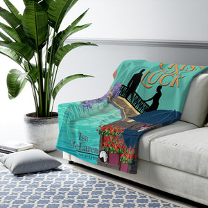 A Kiss for Luck sherpa fleece blanket