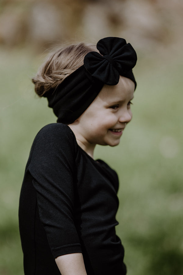 Milania Headwrap, Black Swan