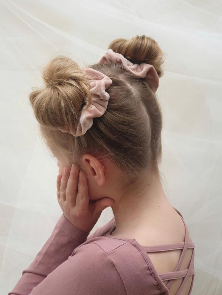 Velour Scrunchie, Powder