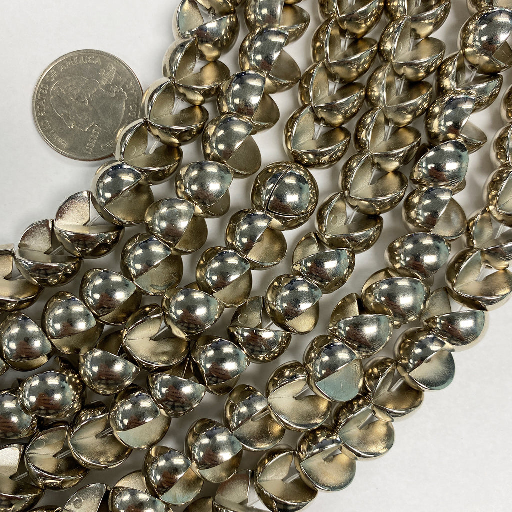 13mm interlocking round, silver plated, vintage lucite beads,  sold per 16