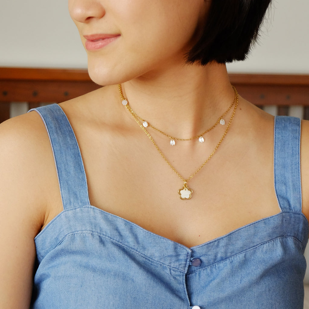 Raya Necklace in Mother of Pearl