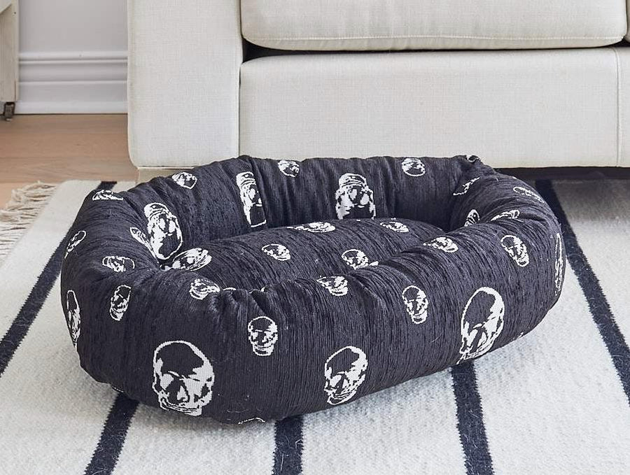 SKULL DOG BED BLACK