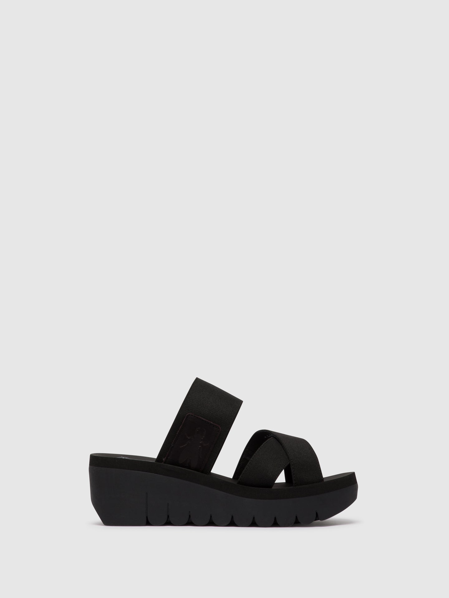 Fly London Mules com Tiras em Preto