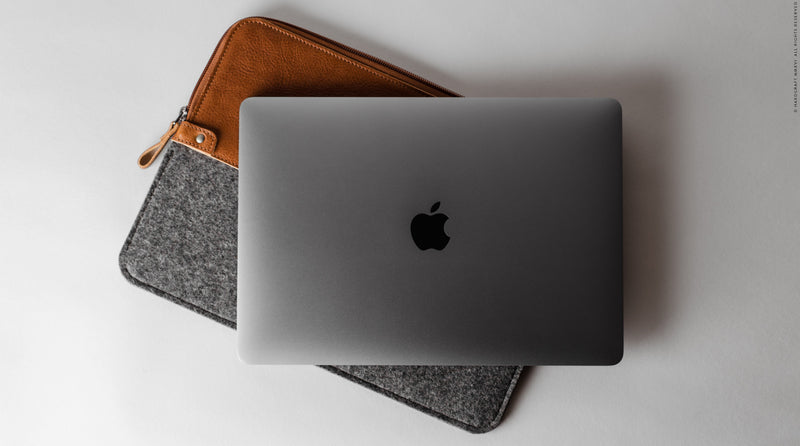 50/50 MacBook Pro Sleeve . Classic