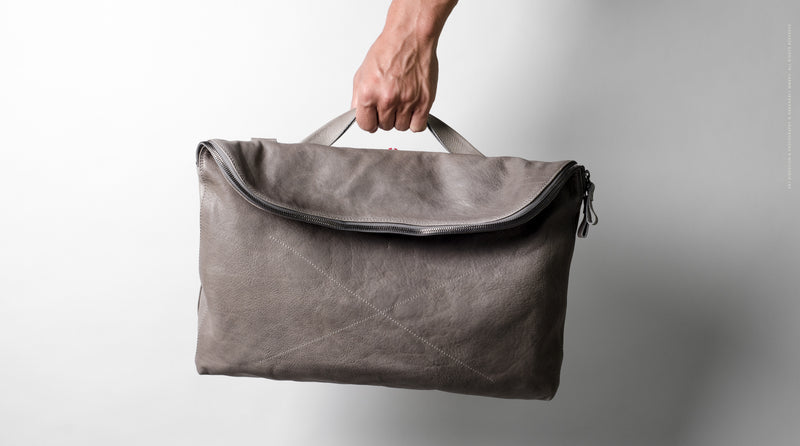 Laidback Messenger . Off Grey