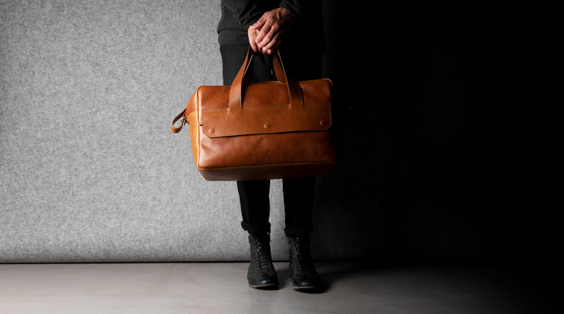 Overhead Holdall Bag . Classic