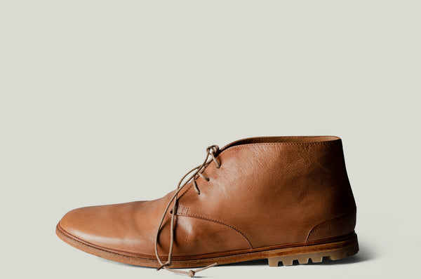 chukka boots classic brown