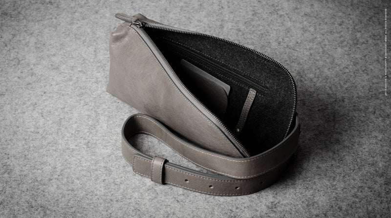 Easy Sling Bag . Off Grey