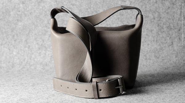 Frame Camera Bag . Off Grey