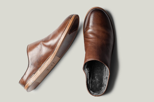 In & Out Slip Ons . Chestnut
