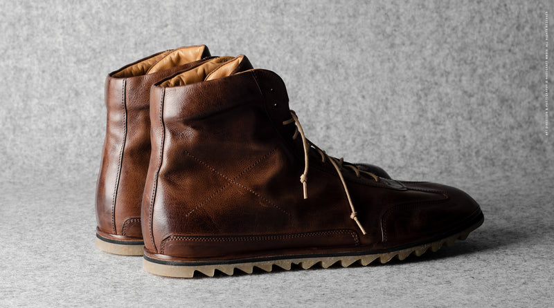 Old School High Top Sneakers . Chestnut