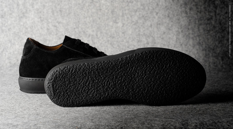 Low Top Sneaker . Black Suede