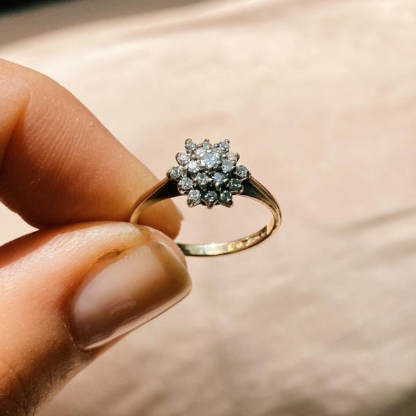 9kt Gold Diamond Snowflake Vintage Ring