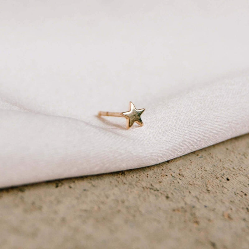 Star Stud Earring 9k Gold