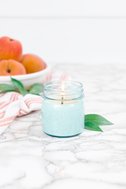 Georgia Peach 8 oz blue jar candle