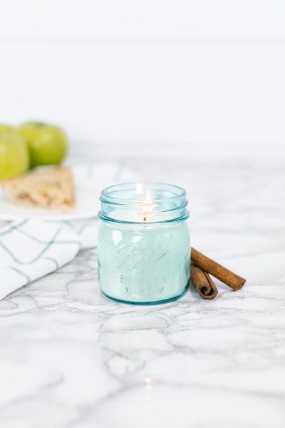 Momma's Kitchen 8 oz blue jar candle