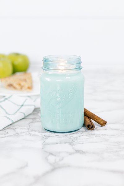 Momma's Kitchen 16 oz blue jar candle
