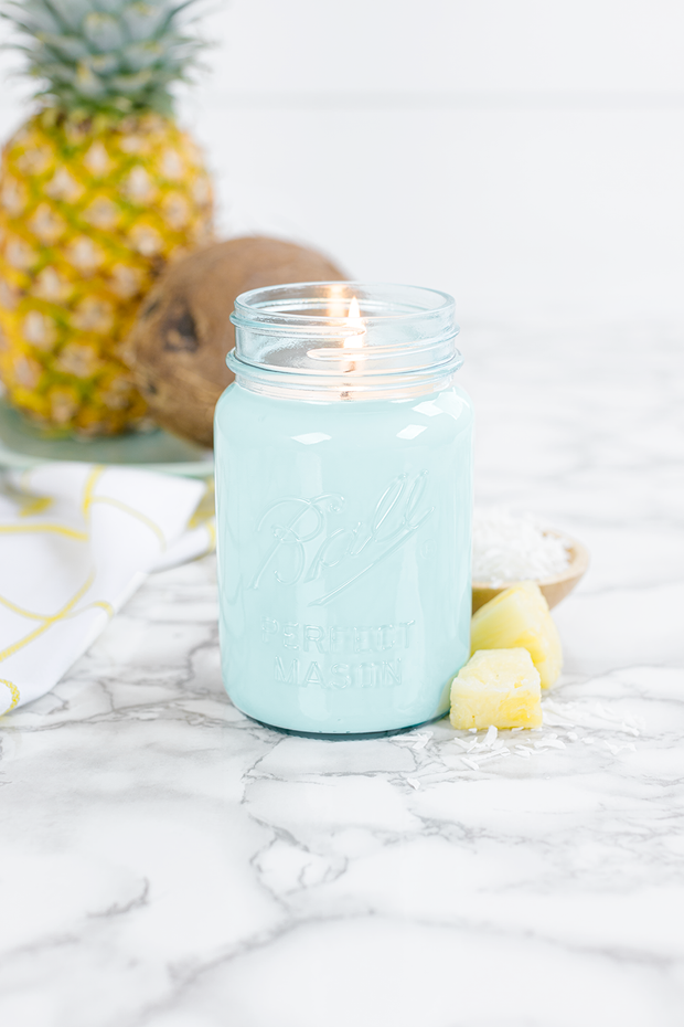 Pineapple Coconut 16 oz blue jar candle