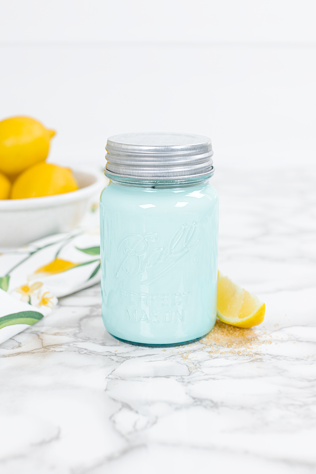 Sweet Lemon 16 oz blue jar candle
