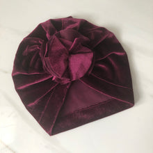 Load image into Gallery viewer, Flower Burst Velvet Turban