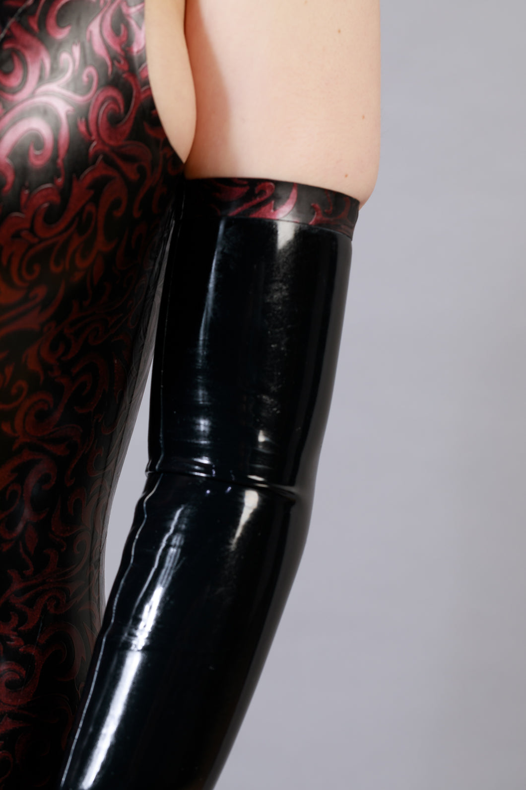 'Lilith' Long Latex Gloves
