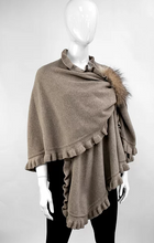 Wool Knit Ruffle Wrap w Fox (WRIM29)