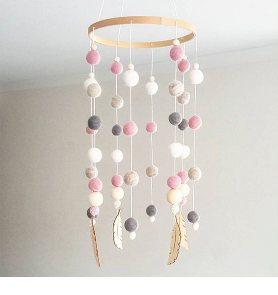 Baby Bed Bell Rotating Baby Rattles Crib Mobiles Holder Music Box Children Room Decoration Balls Feather Photography Prop