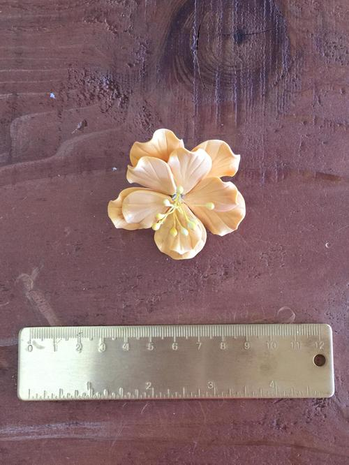 Gold Ruffle Flower Sm pc