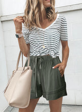 Load image into Gallery viewer, Womens Linen Feel Green Shorts