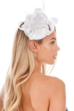 Load image into Gallery viewer, White Fascinator