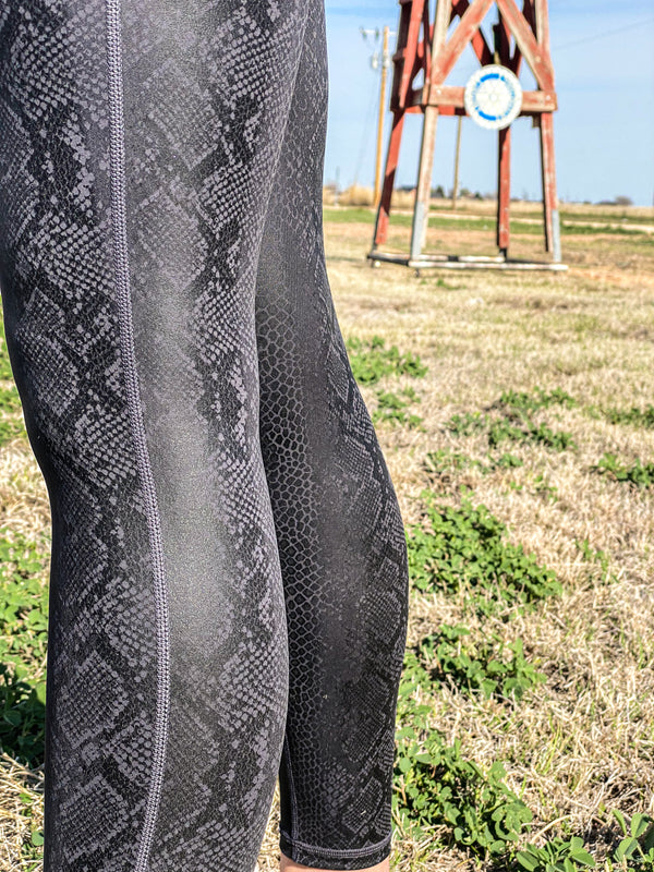 Black Mamba Snake Foil Print Highwaist Leggings