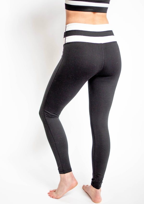 Highwaist Black and White Striped Full Leggings