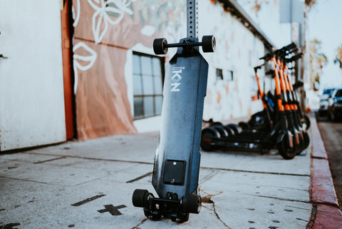 Image of iKON Edge electric skateboard leaning angle