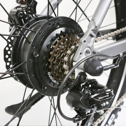 Image of NAKTO Santa Monica Electric Bike chains and rear gears close up